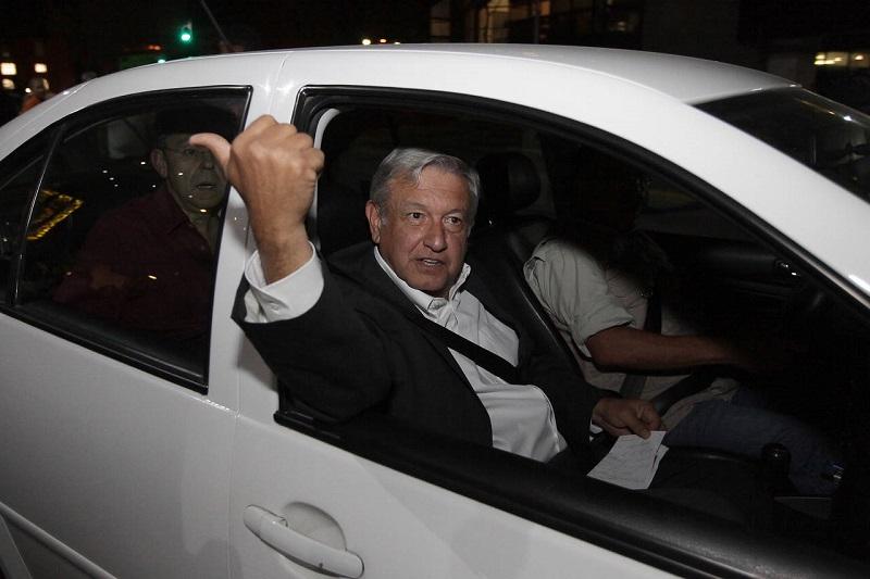 En entrevista en Ciudad del Carmen, Campeche, negó que la intención de la candidatura sea para dar fuero constitucional al ex líder sindical, sino que se busca la reconciliación y la unidad para sacar adelante al país