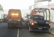 Paramédicos se trasladaron a la ubicación y auxiliaron a los heridos, en tanto que agentes de Tránsito Municipal se hicieron cargo de los vehículos y ordenaron que fueran remolcados al corralón local