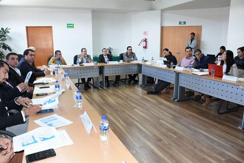 Durante la primera reunión ordinaria del Consejo, el secretario de Desarrollo Económico, Jesús Melgoza, quien preside dicho órgano, así como el secretario técnico, Zeus Rodríguez, delegado de la Secretaría de Economía explicaron a los consejeros la dinámica de trabajo para el 2018