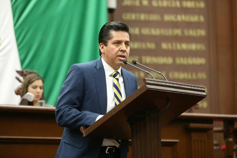 Antonio García resaltó que con esta ley se establecen las condiciones para que las instituciones del Estado, propicien el desarrollo de la economía a través del fomento a la actividad comercial e industrial