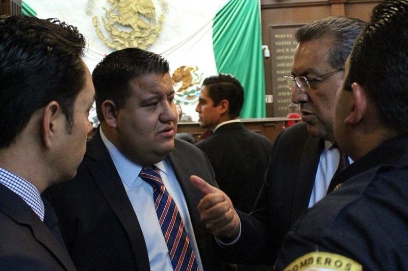 Los bomberos michoacanos contarán con una ley que les da certeza jurídica y sienta un precedente en el país: Lázaro Medina