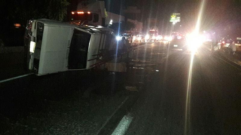 Al momento, el accidente está provocando severos problemas viales en la zona. (CON INFORMACIÓN DE: FRANCISCO ALBERTO SOTOMAYOR)