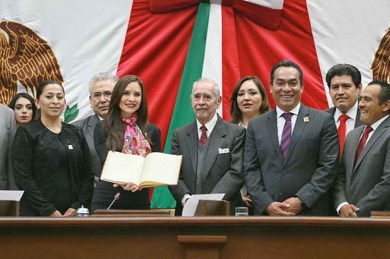 """Cabe señalar que la actual legislatura, declaró al 2018 como el """"Año del Centenario de la Constitución Política del Estado Libre y Soberano de Michoacán de Ocampo"""""""