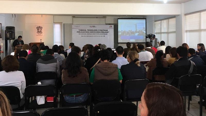 Docentes del Telebachillerato asisten a conferencia sobre ciencia, tecnología y políticas públicas
