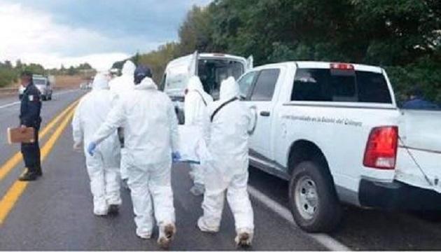 Encuentran 5 cuerpos en una camioneta en Jiquilpan