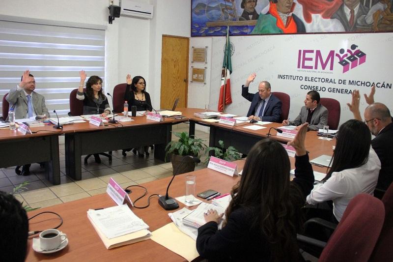 En la misma sesión se rindieron los informes del Presidente de la Junta Estatal Ejecutiva, de las Comisiones y el Comité Editorial del instituto correspondientes al Tercer Cuatrimestre del 2017