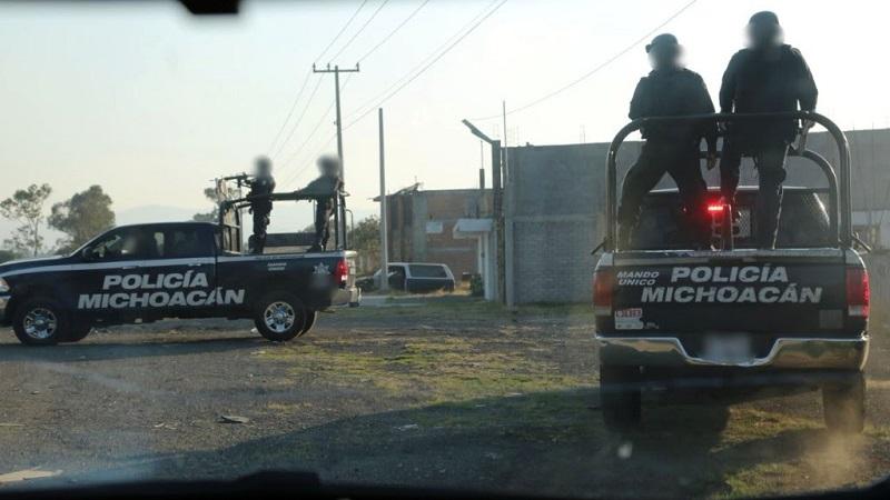 En Apatzingán, Múgica, Gabriel Zamora, Buenavista y Parácuaro, elementos del Ejército Mexicano y agentes policiales mantienen puestos de control en accesos y salidas, así como filtros aleatorios