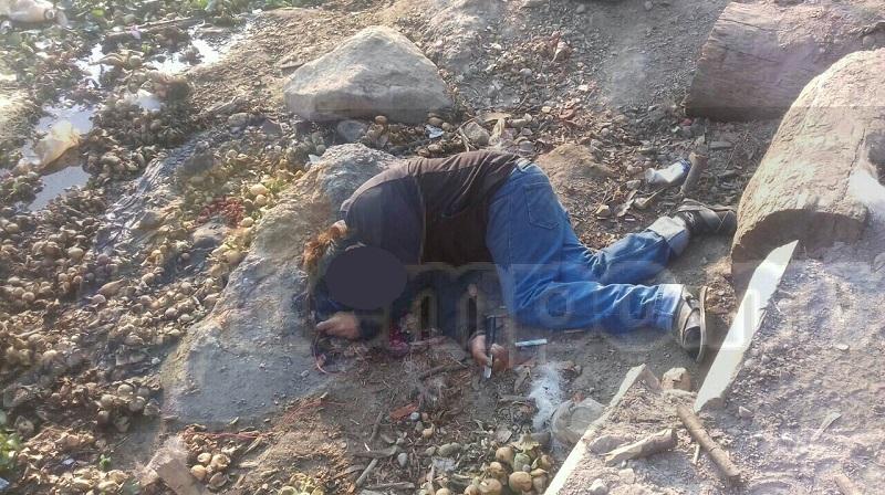 Al respecto se informó que vecinos de Matanguarán localizaron tirado a un costado de la carretera el cuerpo de un hombre con huellas de sangre a su alrededor