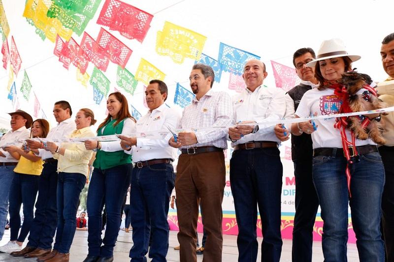 En el marco del Día de la Familia, la legisladora hizo hincapié en que la base fundamental del desarrollo social en Michoacán está en la atención a la familia
