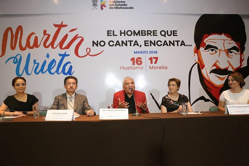 """El homenaje, que forma parte del convenio de hermanamiento entre los gobiernos de Michoacán y Guanajuato, """"sin duda enaltece a mi persona y significa mucho para mi vida; jamás dejaré de estar agradecido por ello"""", expresa el compositor"""
