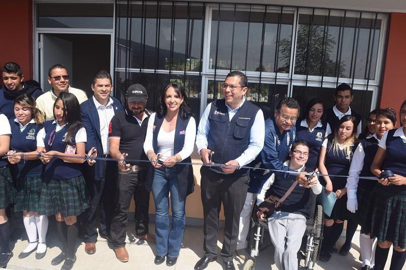Barragán Vélez subrayó que el Gobierno de Michoacán está convencido de que la educación es la vía para cambiar las condiciones de vida de miles de ciudadanos