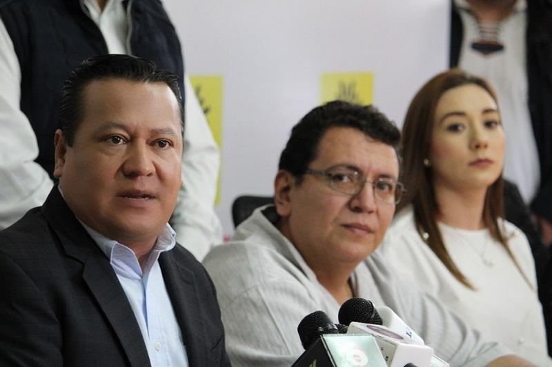 En rueda de prensa ofrecida en las instalaciones del CEE, el todavía alcalde de Yurécuaro abundó en que fue el proyecto del PRD donde encontró el respaldo y apoyo que no tuvo por parte del Morena
