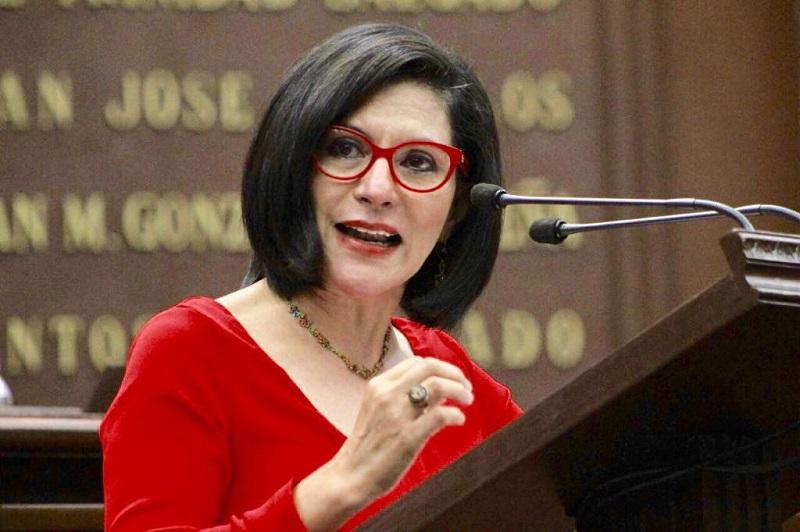 La diputada por Uruapan hizo un llamado para que se reconozca y respete el trabajo, el perfil, trayectoria y se elijan a aquellas mujeres que quieran sumarse a los cargos de representación popular