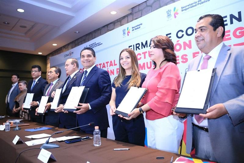 Silvano Aureoles detalló que al inicio de la administración estatal, se acordó visibilizar y sensibilizar en todas las áreas del Gobierno del Estado la erradicación de la violencia en contra de las mujeres