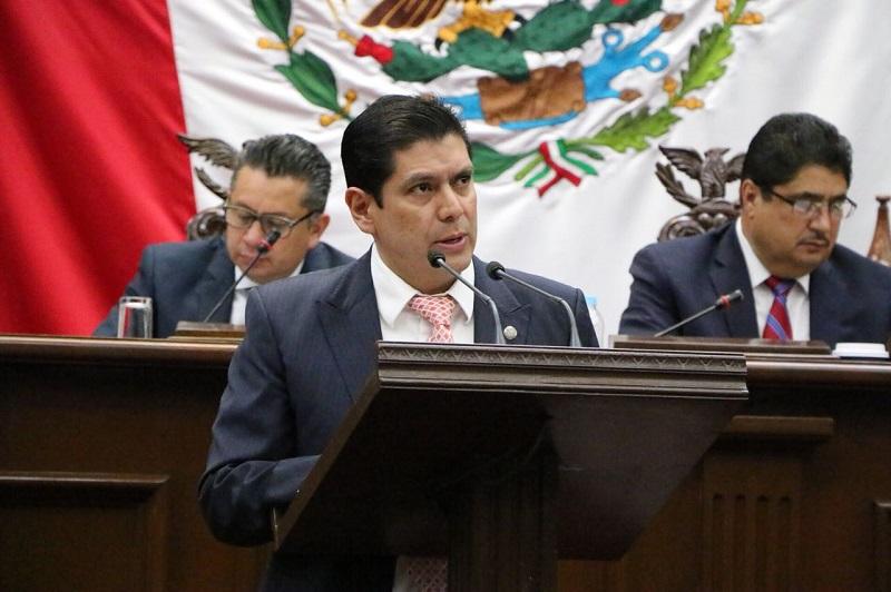 Núñez Aguilar presentó ante el pleno del Poder Legislativo local la iniciativa de Ley del Consejo Estatal de Ecología de Michoacán