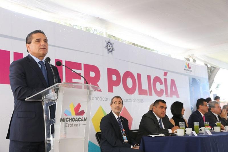 Las mujeres representan el 30% del estado de fuerza de la Policía Michoacán, destaca titular de la SSP, Juan Bernardo Corona