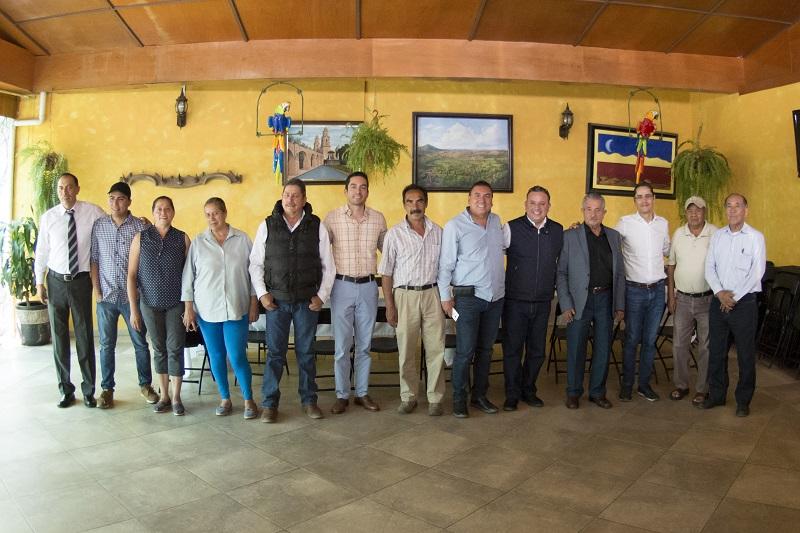 Quintana Martínez se reunió con integrantes de los Sindicatos Unidos Michoacanos del Transporte de Materiales para la Construcción del Estado de Michoacán