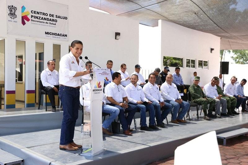 El secretario de Salud de Michoacán, Elías Ibarra Torres, detalló que este Centro de Salud estará reforzado por la unidad médica móvil para atender a las y los 2 mil habitantes de esta comunidad y otros 5 mil de los poblados vecinos