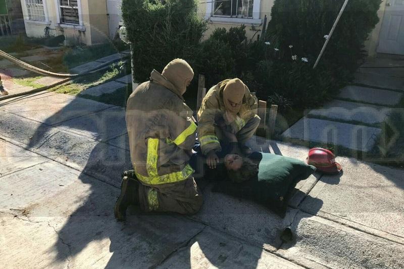 La persona presentaba quemaduras en un 18% de superficie corporal siendo trasladada a bordo de una ambulancia de Radio Organizado de Auxilio (ROA) al Hospital Regional de La Piedad, para recibir atención médica
