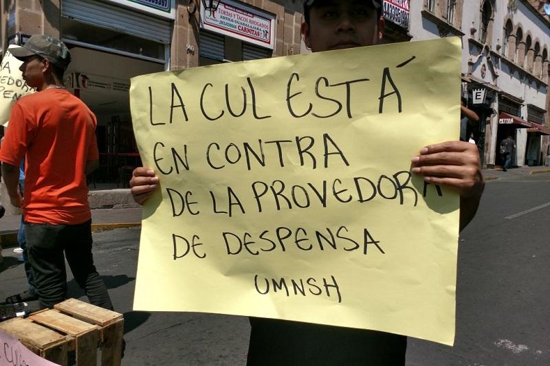 Los manifestantes aseguran que la nueva proveedora no los ha surtido de la forma acostumbrada