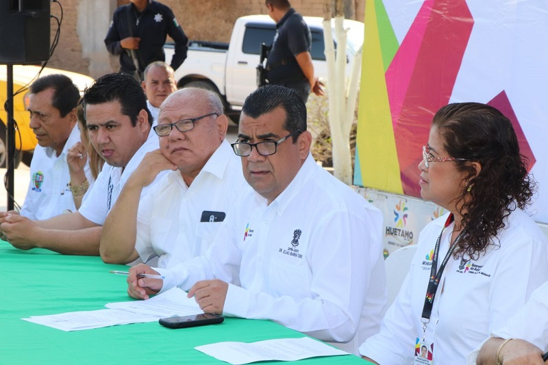 Gilberto Zarco hizo un llamado a la población para que lleve a vacunar a sus animalitos, con la finalidad de prevenir la enfermedad en caninos y felinos