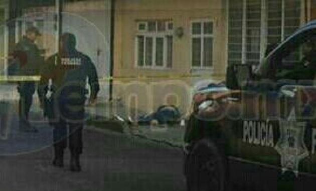 Al respecto se supo que minutos después de las 07:00 horas una joven mujer que caminaba sobre la privada de la calle Ignacio Zaragoza en el mencionado barrio, fue agredida por personas desconocidas con disparos de arma de fuego