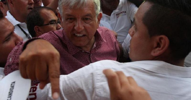 ¿Estaremos dispuestos la mayoría de los mexicanos que no nos hemos pronunciado a su favor a ceder a esos chantajes, presiones y amagos? Si queremos elecciones limpias y libres, yo espero que no.