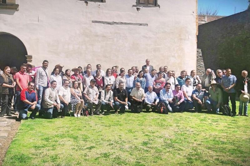 Romero Hernández dio cuenta de la celebración de la próxima sesión de trabajo, a llevarse a cabo en Apatzingán el sábado 21 de abril, la cual servirá de marco para la conmemoración del 135 aniversario de la elevación a municipio