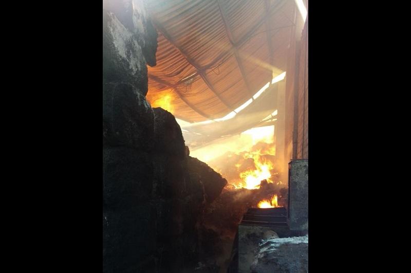 El incendio se reportó desde las 6:00 horas; se reportan grandes pérdidas materiales