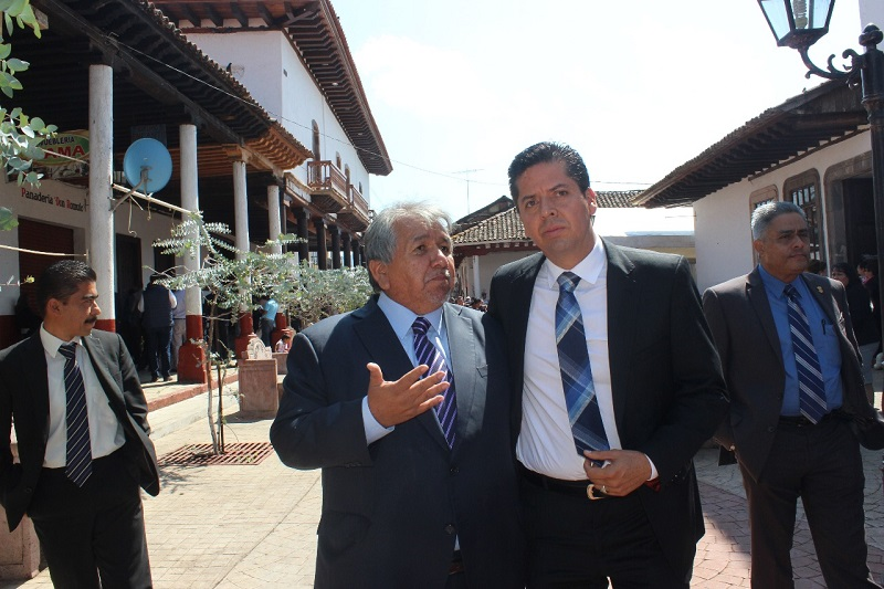 En el caso de Michoacán subrayó que fue un error la determinación del Gobierno Federal de retirar de la entidad a las fuerzas federales que realizaba labores de seguridad, vigilancia y proximidad social