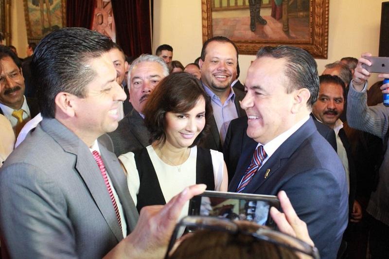 García Conejo también destacó la labor que desempeñó el ahora ex secretario de Gobierno, Adrián López Solís
