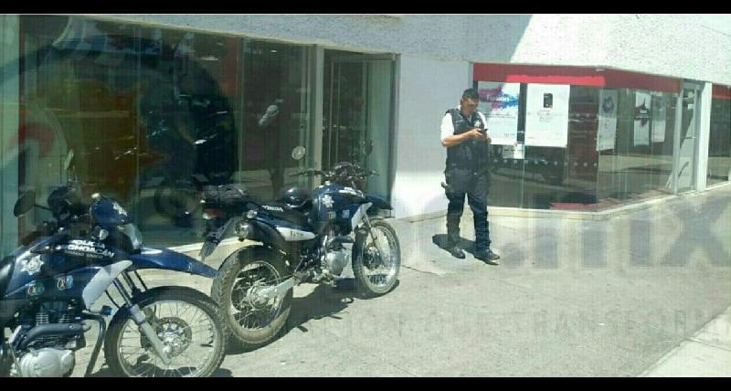 Cuentahabiente es asaltado en el interior de un banco; lo despojaron de un cuarto de millón de pesos