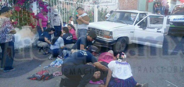 Elementos de la Policía Michoacán realizaron un fuerte operativo para lograr la detención del conductor de la camioneta, identificado como Luis A., de 65 años de edad, quién trato de darse a la fuga rumbo al estado de Guanajuato