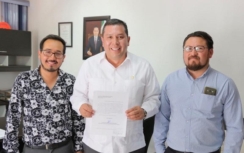En las mesas de diálogo se priorizó el derecho al trabajo y a la estabilidad y seguridad laboral, lo cual repercutirá en la calidad de la educación que ofertamos a las y los jóvenes michoacanos, subraya Barragán Vélez