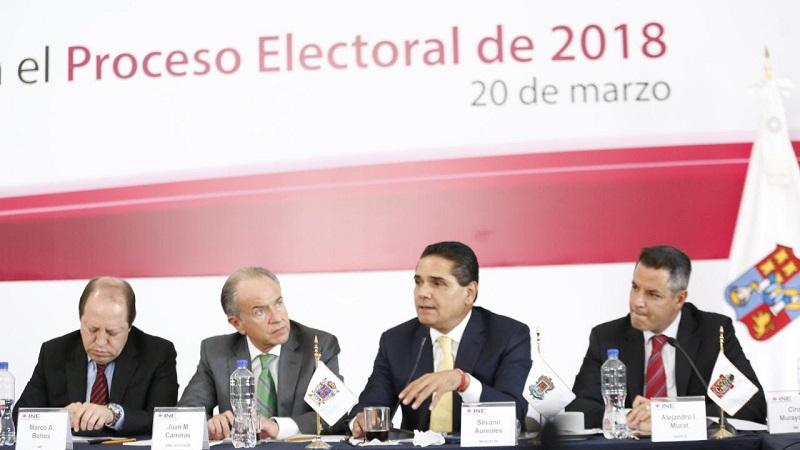 El mandatario michoacano destacó que los gobiernos locales deben acatar las reglas y coadyuvar en todo lo que les corresponda y esté al alcance para que el proceso electoral se desarrolle en un marco de civilidad y responsabilidad