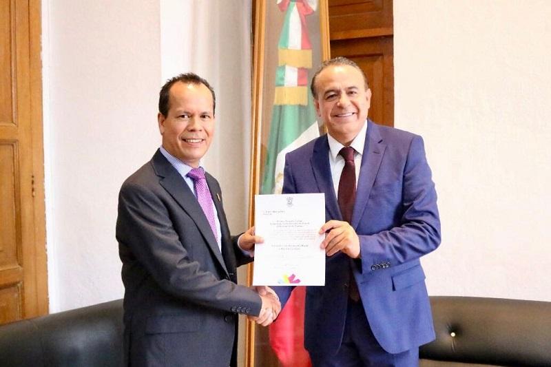 Rubén Medina se desempeñaba como subsecretario de Desarrollo Rural, y es Ingeniero Agrónomo egresado de la Universidad Autónoma de Chapingo, además fue subgerente Regional de Operaciones de Diconsa, entre otros cargos