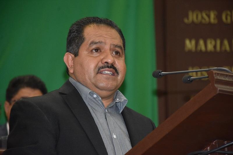 El diputado José Guadalupe Aguilera Rojas, presidente de la Comisión de Turismo del Congreso local, abordó la tribuna para razonar su voto a favor y aseguró que el turismo es una herramienta para mejorar las condiciones económicas del estado