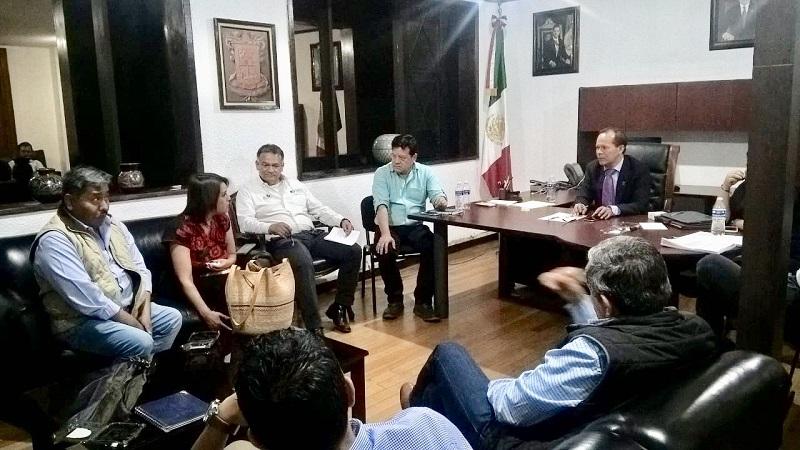 Subsecretarios, directores y jefes de departamento de la Sedrua, reconocieron el liderazgo y conocimientos del campo michoacano; aseguraron el campo estatal ésta en buenas manos