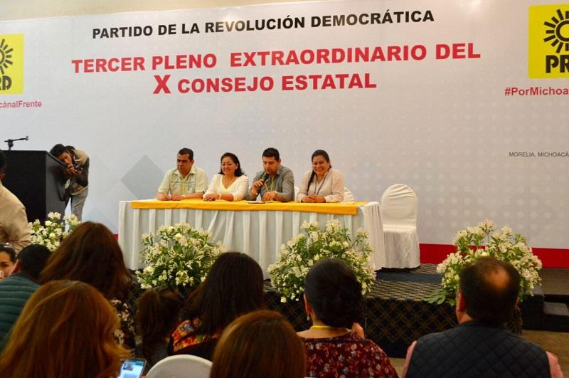 En el caso del Puerto de Lázaro Cárdenas, Estrada Cárdenas destacó la designación de Mariano Ortega Sánchez, quien consideró que por su amplia experiencia y trayectoria ganará en la contienda, por lo que le manifestó todo su respaldo