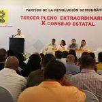 En lo que respecta a las diputaciones locales, serán 8 Distritos en donde el sol azteca encabezará la Coalición Por Michoacán al Frente con PAN y MC; 5 en donde irá en candidatura común con el PVEM y 1 donde irá con PAN