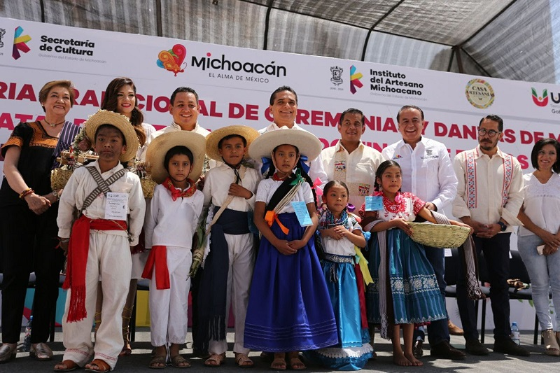 Un total de mil 400 personas de cuatro etnias del estado proyectaron su habilidad y destreza en las 2 mil 510 piezas participantes
