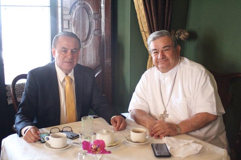 Sigala Páez reconoció la voluntad del jerarca de la Iglesia Católica en la entidad de mantener una comunicación permanente