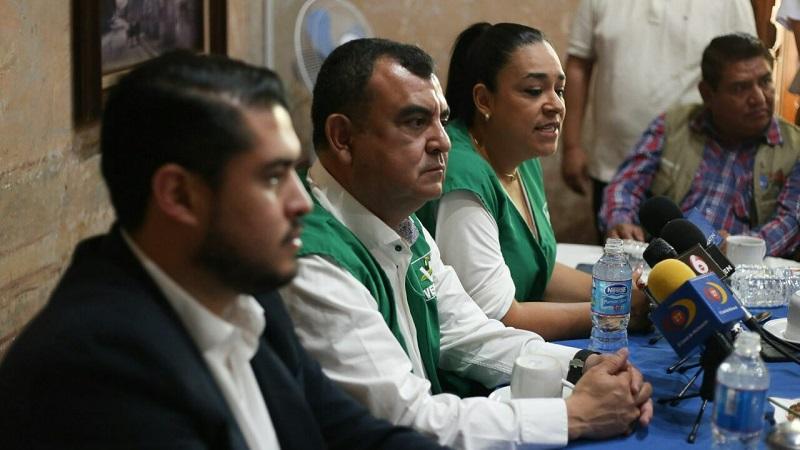 """""""Estamos muy contentos de que Mirna, una mujer a quien respeto y admiro, haya decidido sumarse al proyecto que la Familia Verde buscará posicionar en la actual contienda electoral"""": Núñez Aguilar"""