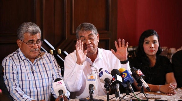 Respecto de la salida de algunos cuadros, los ex dirigentes coincidieron en que los verdaderos priistas siguen trabajando por el partido independientemente de los proyectos personales
