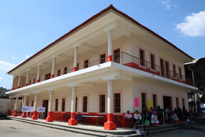 El Gobierno de Michoacán cumple su compromiso de terminar la rehabilitación del campus de la UMSNH en el municipio, que beneficiará a cuatro mil 550 estudiantes de bachillerato y licenciaturas