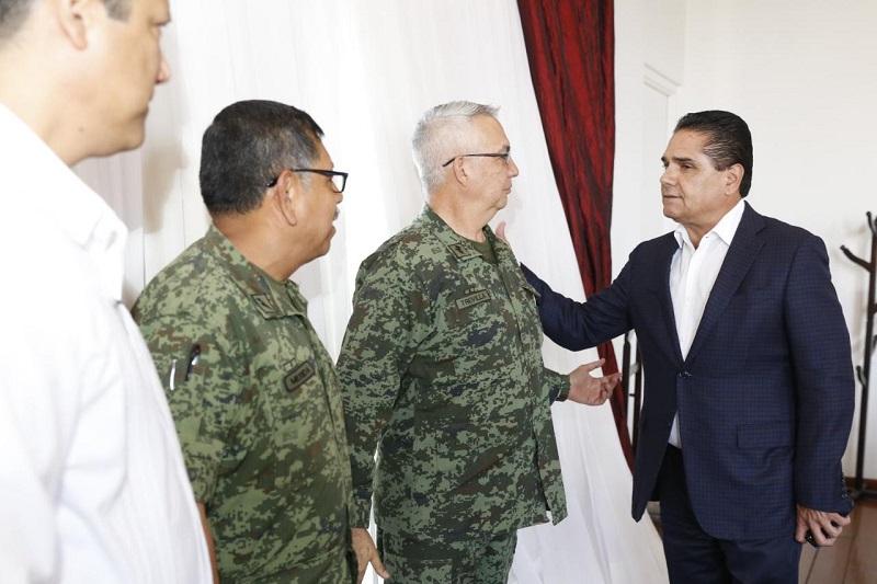Para reforzar la seguridad, también se redobló el trabajo coordinado con autoridades correspondientes de los vecinos estados, a fin de brindar certeza en las zonas fronterizas