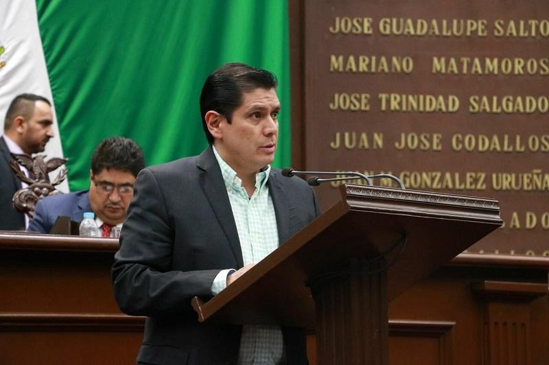 Núñez Aguilar busca que los 113 municipios establezcan dentro de la Ley de Ingresos descuentos de hasta el 20% en el pago del impuesto predial y servicio de agua