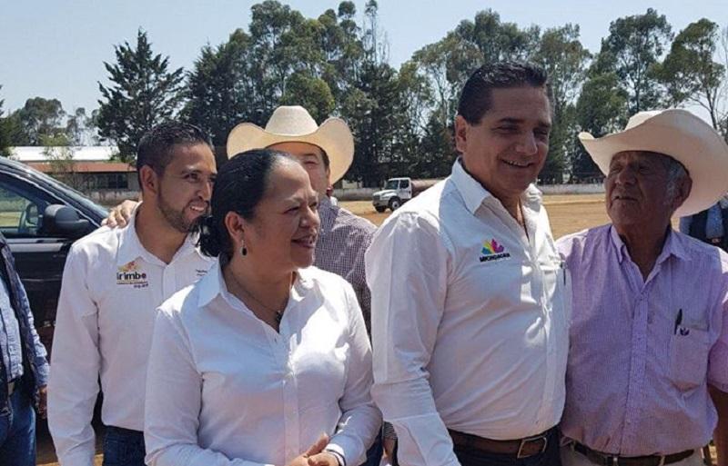 Alcántar Baca resaltó que Michoacán se han vivido serias dificultades, las cuales se han arrastrado desde hace varios años, no obstante, la administración estatal ha logrado hacer frente a los problemas y caminar con rumbo