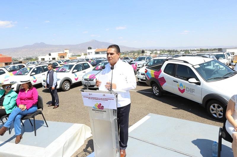 Aureoles Conejo anunció la próxima entrega de equipamiento para las Unidades Básicas de Rehabilitación al interior del estado