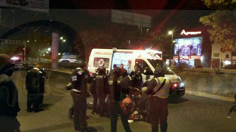 Al lugar llegaron paramédicos de la Policía Unidad Morelia, así como del CRUM, quienes confirmaron que la persona ya había fallecido debido a las múltiples lesiones que presentaba